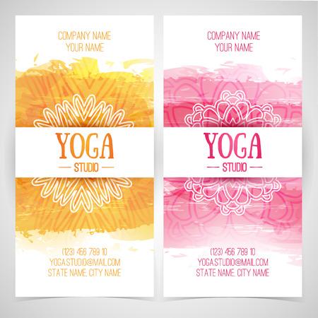 tarjeta de invitacion: Establecer folletos plantilla de diseño, tarjetas, invitaciones, folletos para un estudio de yoga con la textura de la acuarela y el mandala. Vector. Lugar para el texto Vectores