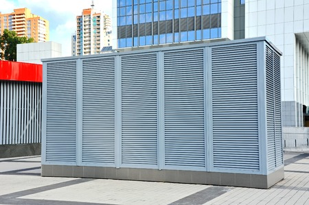 Industrial air conditioning and ventilation systems on the sreet Banque d'images