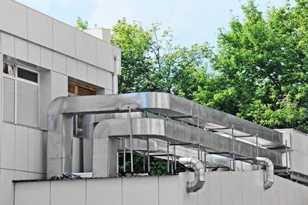 Aire acondicionado y de ventilación de acero industrial sistemas Foto de archivo - 29987276