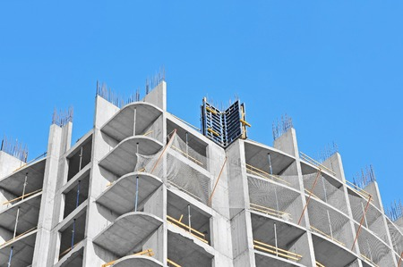 monolithic: Monolithic building construction site work from concrete Stock Photo