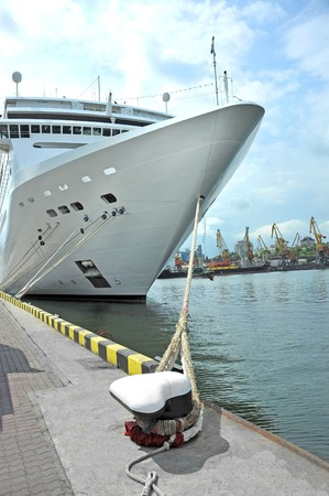 Cruise tourist ship mooring in port of Odessa, Ukraine Stockfoto