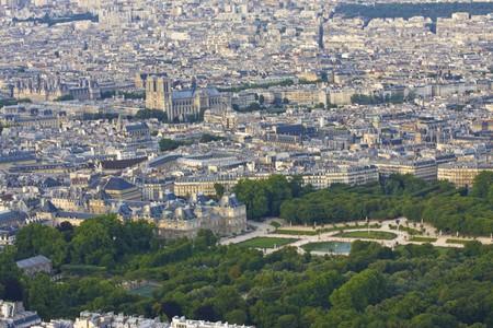 jardin de luxembourg: Paris skyline  with Notre Dame and Jardin du Luxembourg