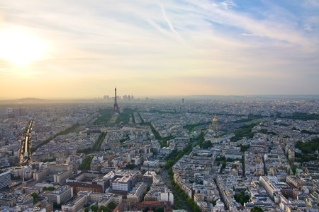 les: Paris skyline at sunset with Eiffel tower and Les Invalides