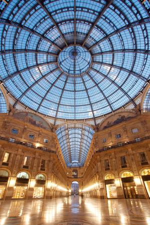 vittorio emanuele: Galleria Vittorio Emanuele II in Milan, Italy