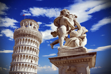 leaning tower of pisa: Pisa, Italy  leaning tower and Fontana dei putti