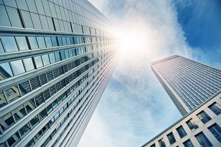 facade: modernos edificios de oficinas en Frankfurt am Main, Alemania