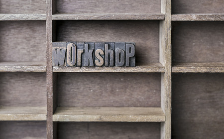 oude krant: old wooden printers type forming the word workshop Stockfoto