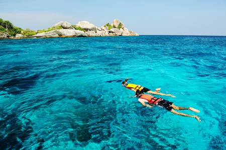 couple snorkeling in south of Thailand Standard-Bild