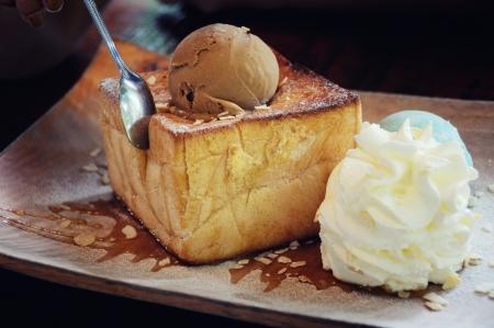Honey toast ice cream photo