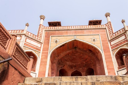 Close-up on Details of Central Entrance of Humayun Tomb fresco. Delhi, India. Asia. Редакционное