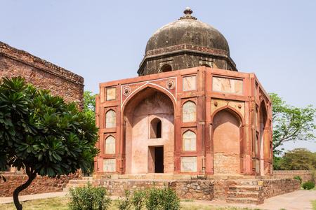 Panorama of Barbers Tomb, side Building of Humayun Tomb Complex. UNESCO World Heritage in Delhi, India. Asia. Редакционное