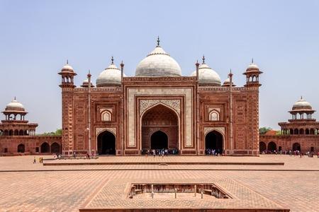 Panorama of Kau Ban Mosque inside the Taj Mahal Complex. UNESCO World Heritage in Agra, Uttar Pradesh, India Редакционное