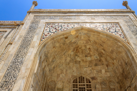 Details of Taj Mahal: Close-up of Painting, Motifs, Fresco and inscription on the wall. UNESCO World Heritage in Agra, India. Редакционное