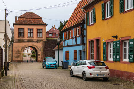 Entrance Town Gate, ger. Landauer Tor, fra. Porte de Landau, in Lauterbourg, Wissembourg, Bas-Rhin, Grand Est, France Éditoriale
