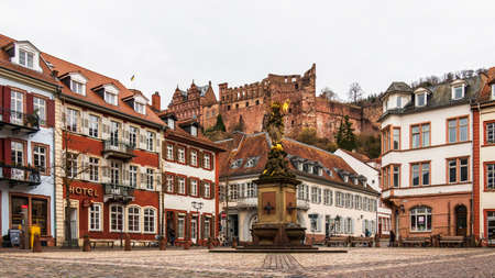 Cornmarket, ger. Kornmarkt and Statuesque of Kornmarktmadonna in Downtown of City Heidelberg, Baden-Wuerttemberg, Germany. Europe 新闻类图片