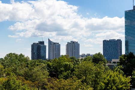 Danube Park, Donaupark with Skyscraper Buildings in Vienna, Austria, Europe Éditoriale