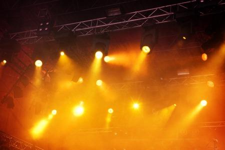 Verschiedene Orangen Bühne leuchtet im Dunkeln Standard-Bild