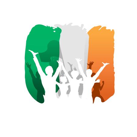 bandera irlanda: D�a de la Constituci�n y el D�a de la Independencia de Irlanda, la gente feliz siluetas sobre la bandera de Irlanda en el fondo