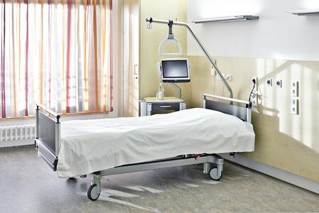 hospitales: Habitaci�n con una cama en el hospital