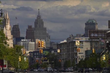 米国デトロイトのダウンタウンでウッドワード ・ アベニューを見下ろす