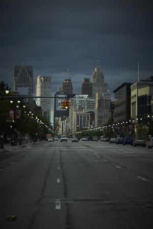 Detroit USA met uitzicht op Woodward Avenue in het centrum van 's nachts Stockfoto - 41952769