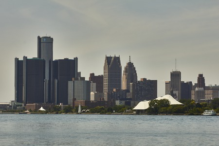 shrinking: USA view of Belle Isle on the Detroit River in Detroit Skyline