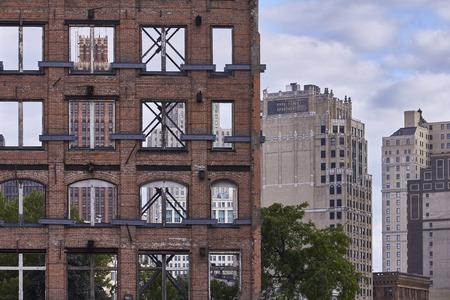 Ruina y sin ventanas en Detroit Downtown Foto de archivo - 41952816