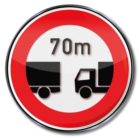 El tránsito de camiones signo distancia mínima de 70 metros Foto de archivo - 14950622