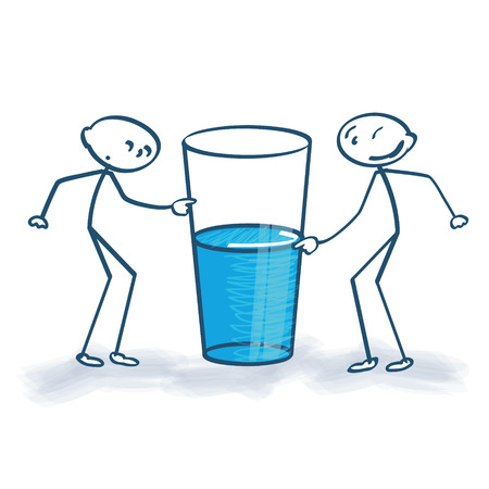 optimismo: Figuras del palillo con el vaso está medio lleno o medio vacío Vectores