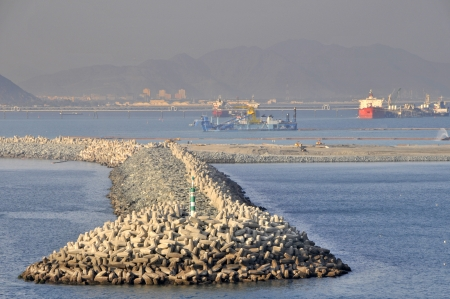breakwaters: Harbour sea defences using Dolos concrete blocks at Fujairah, United Arab Emirates Stock Photo