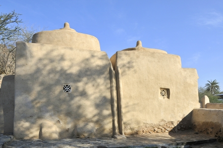 united arab emirate: The emirate of Fujairah oldest mosque in the United Arab Emirates at Badiyah also known as the Al Badiya
