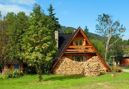 photo capture of a wooden house in countryside Stock Photo - 5967532