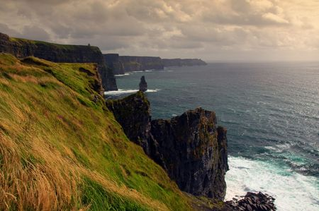 photo scenic sunset view of the cliffs of moher, ireland photo