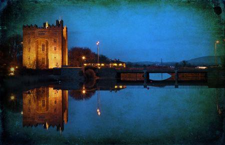 photo grunge old ancient irish castle in ireland Standard-Bild