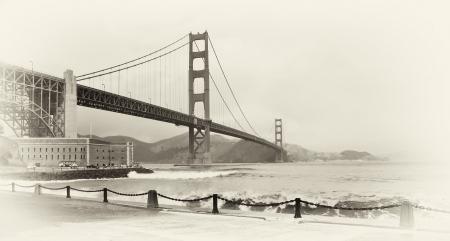photo beautiful b&w golden gate bridge in san francisco photo