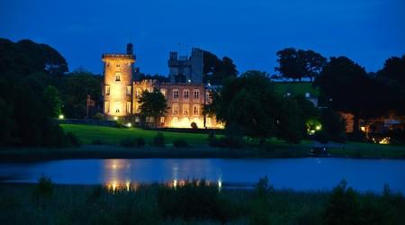 photo famous irish castle hotel,west coast ireland Standard-Bild