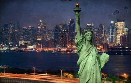 grunge new york city tourism concept with statue liberty Stock Photo - 7613446