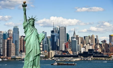 photo tourism concept new york city with statue liberty Stock Photo - 7686712