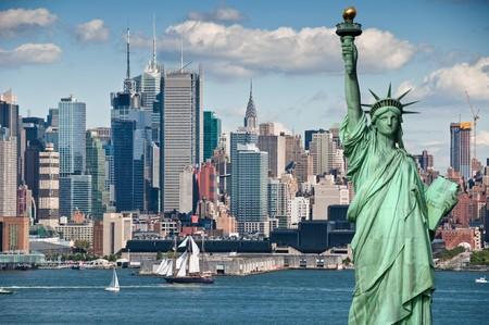liberty island: Foto concetto di turismo per la bella skyline di new york city