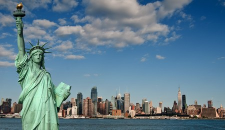photo tourism concept for beautiful new york city skyline Standard-Bild