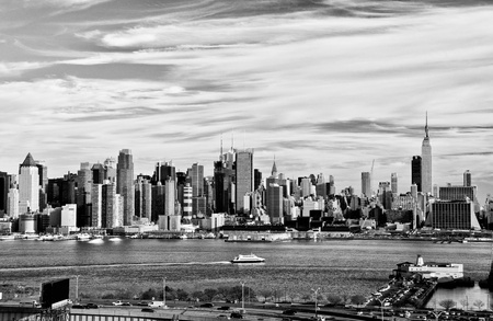 hudson river: photo new york city black and white high contrast