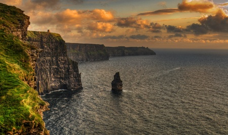 photo famous cliffs of moher, sunset, county clare, ireland Standard-Bild