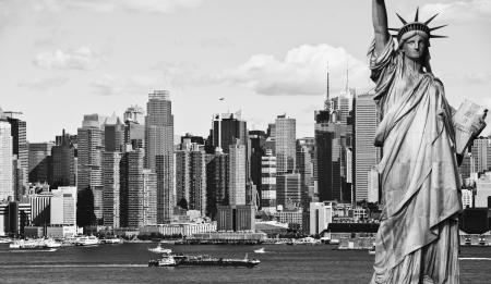 hudson river: photo new york city black and white hi contrast Stock Photo