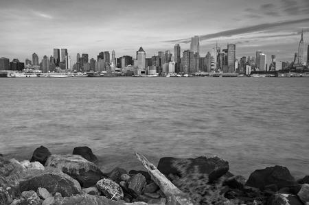 hudson: photo beautiful new york cityscape over the hudson