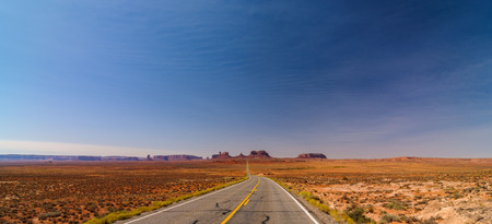 scenic drive: Scenic Monument Valley Landscape on the border between Arizona and Utah in United States America