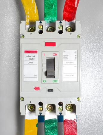 Automatic block electrical circuit breaker