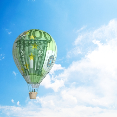 Hot air balloon with 100 dollar banknote