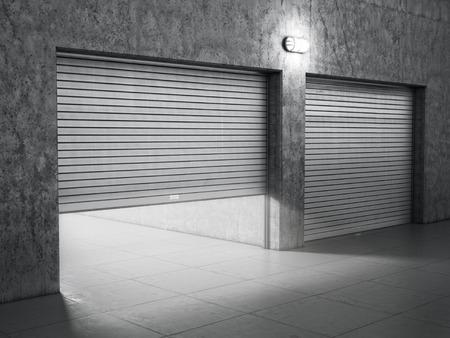 Grand garage en béton avec des portes de volets roulants