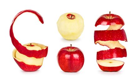 manzana roja: recogida de manzanas con cáscara aislado en fondo blanco