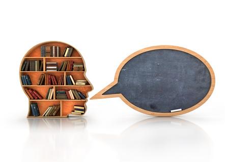 conocimiento: Madera Estante en forma de cabeza humana y libros con pizarra de la escuela, Concepto Conocimiento Foto de archivo